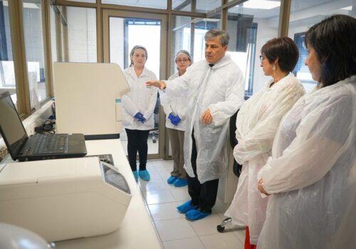Autorizan a primer laboratorio universitario de Los Lagos para análisis de Coronavirus | SALMÓN EXPERT
